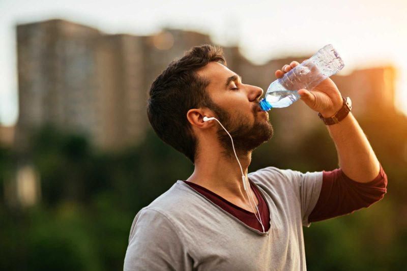 Следует употреблять достаточное количество воды