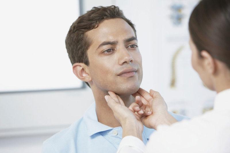 Обследование лимфоузлов у мужчины на предмет гормонального сбоя