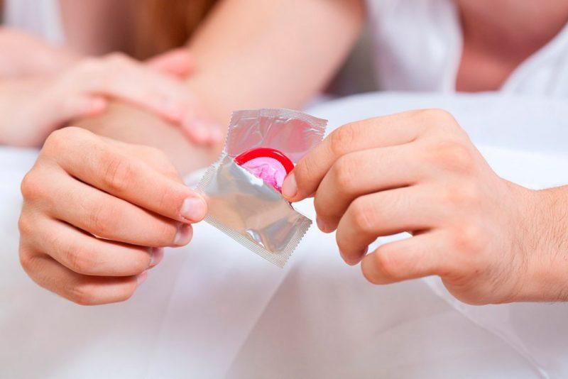 Желательно пользоваться презервативом