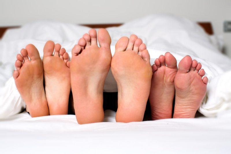 Одной из основных причин заражения является большое число половых партнеров