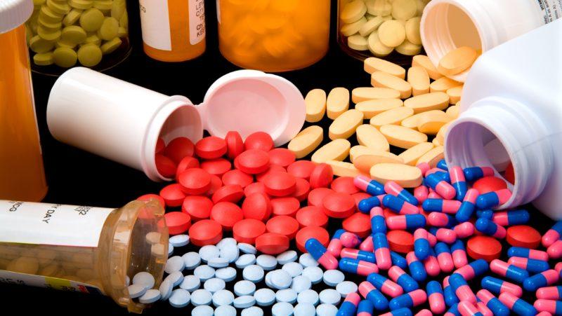Прием БАДов и препаратов для наращивания мышечной ткани вызывает раздражение мочеполового канала