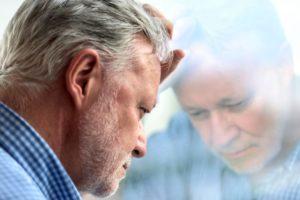 Болит левое яичко: возможные причины