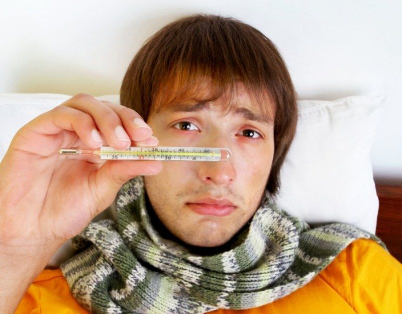 Один из основных симптомов - повышенная температура