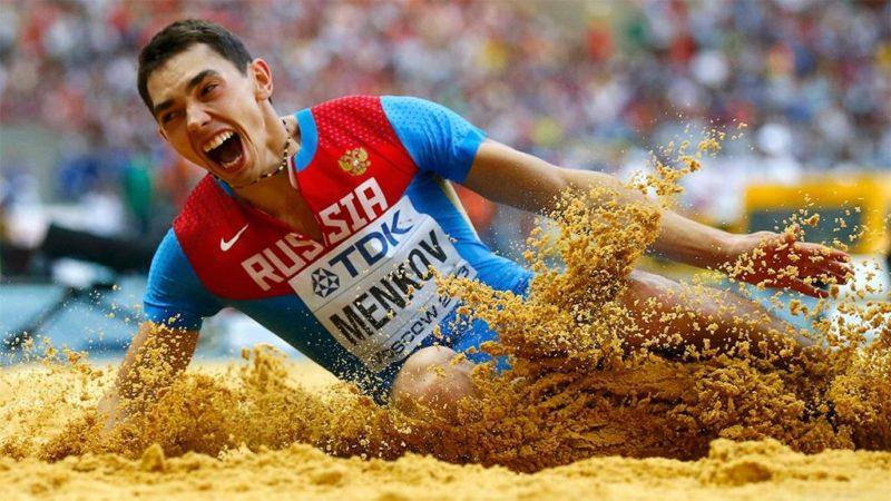 Если парень занимается спортом, то увеличение количества гемоглобина будет считаться естественным
