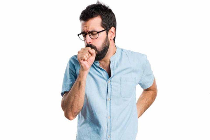 Осиплость голоса и постоянный кашель с кругами под глазами говорит о никотиновой интоксикации