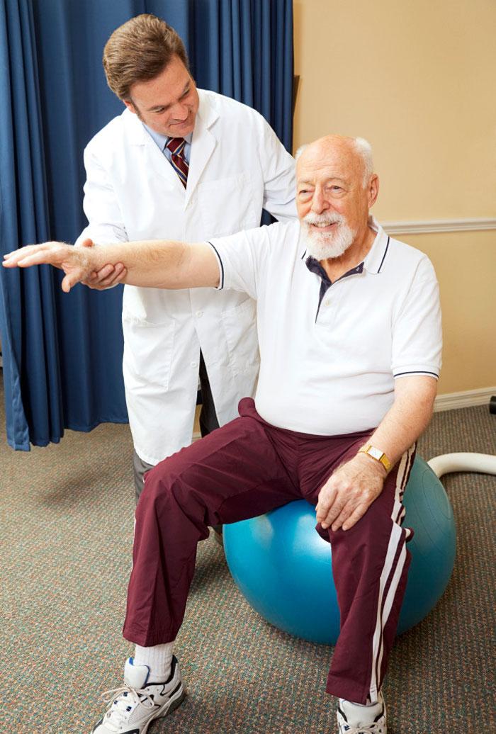Гимнастика после инсульта: комплекс упражнений ЛФК