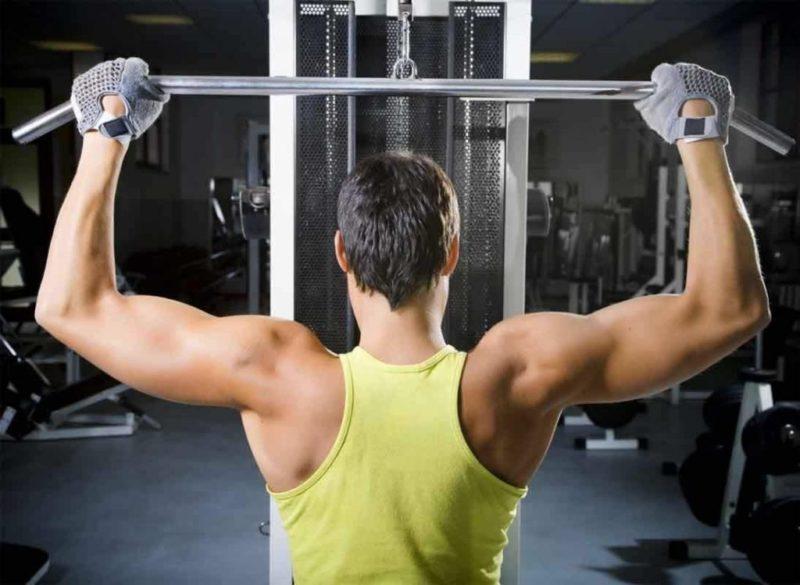 Потратить лишние калории помогут силовые нагрузки